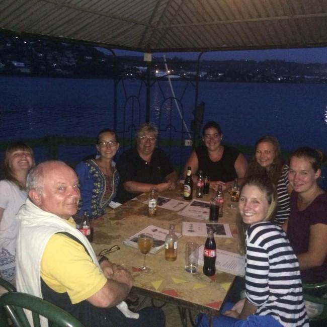 Familie Kühner, Kratzer, Kiki und Anja im Tilapia Restaurant